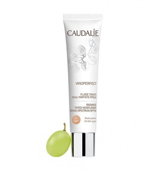 Caudalie Vinoperfect fluido con color piel perfecta FPS 20 light
